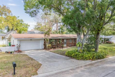 1501 Winding Way W Clearwater FL 33764