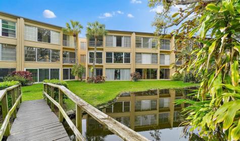 225 Country Club Drive Largo FL 33771