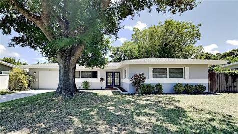 1825 S Betty Lane Clearwater FL 33756