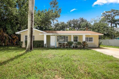 105 24th Street NE Bradenton FL 34208