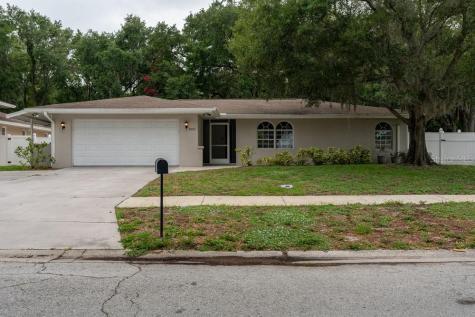 1882 Oak Forest Drive W Clearwater FL 33759