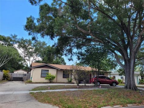 15326 Bedford Circle E Clearwater FL 33764