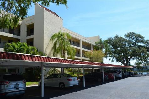 11485 Oakhurst Road Largo FL 33774