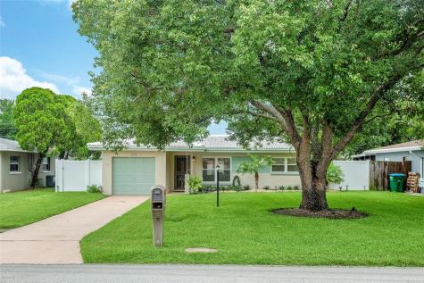 1718 S Lake Avenue Clearwater FL 33756