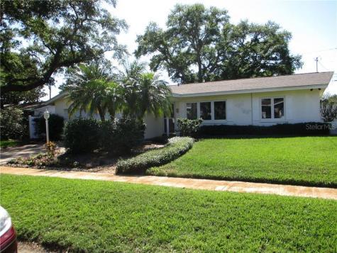 1862 Paradise Lane Clearwater FL 33756