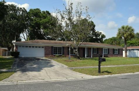 706 Pearl Circle Brandon FL 33510