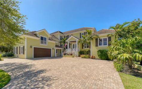 490 Island Circle Sarasota FL 34242