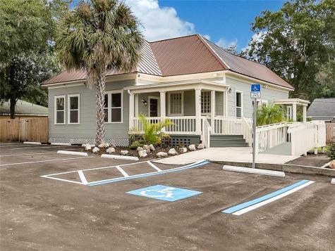 904 E Henry Avenue Tampa FL 33604