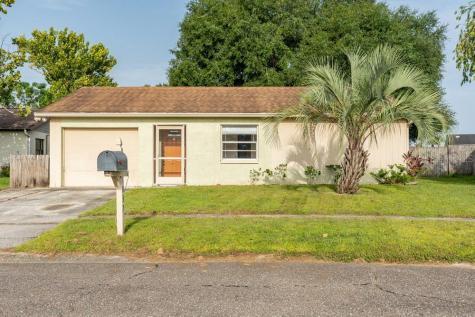 1037 Axlewood Circle Brandon FL 33511