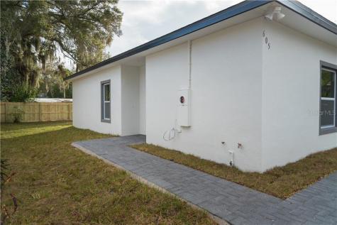 605 Wildwood Way Clearwater FL 33756