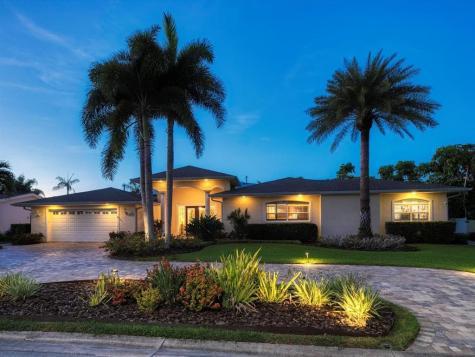 315 Belle Isle Avenue Belleair Beach FL 33786