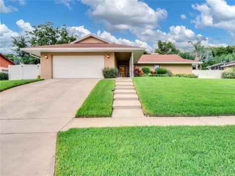 404 Barclay Avenue Altamonte Springs FL 32701