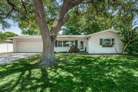 1811 Greenhill Drive Clearwater FL 33755