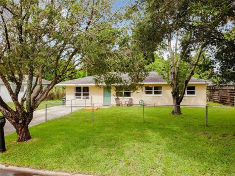 1206 Princeton Avenue Bradenton FL 34207