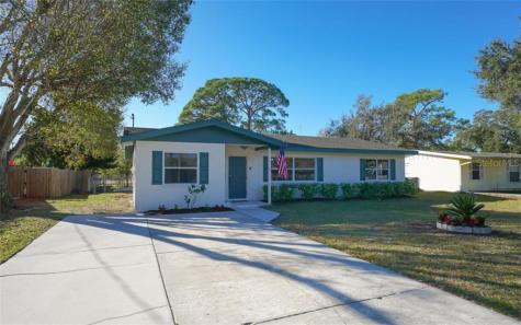 2715 36th Avenue W Bradenton FL 34205
