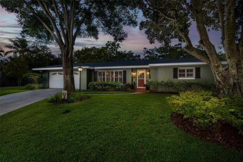 1427 Hunt Lane Clearwater FL 33764
