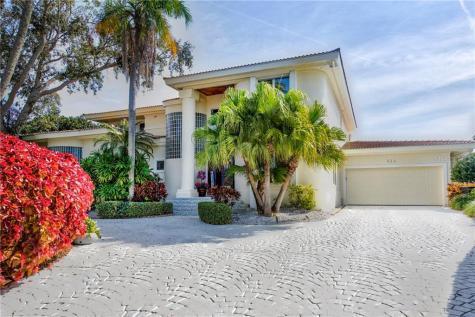 524 Belle Isle Avenue Belleair Beach FL 33786