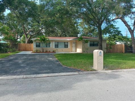 2460 Nash Street Clearwater FL 33765
