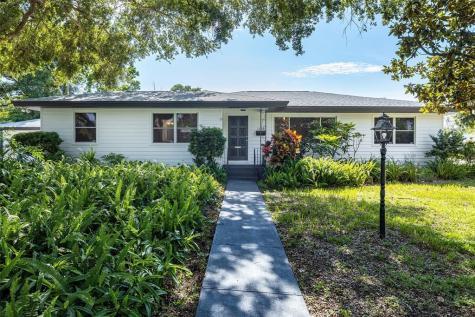 1220 Ridge Avenue Clearwater FL 33755