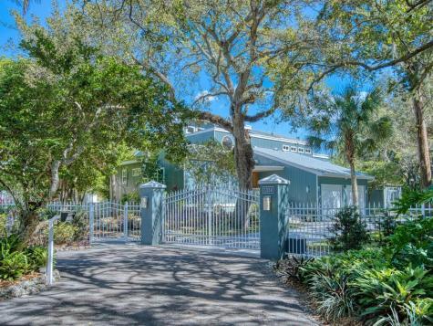 1334 Roberts Bay Lane Sarasota FL 34242