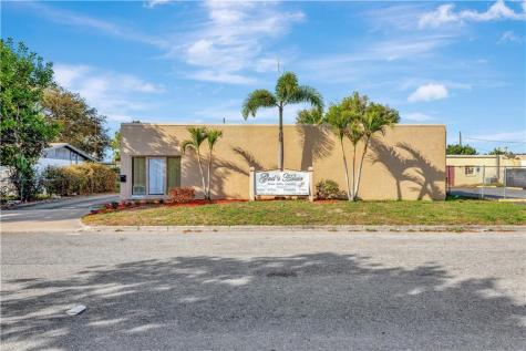 110 22nd Avenue W Bradenton FL 34205