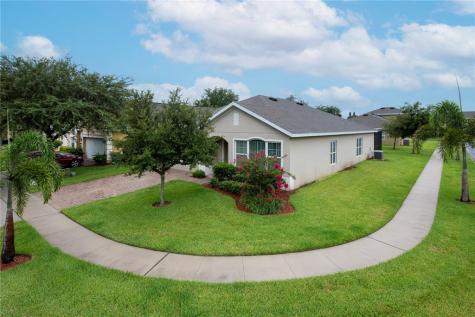 239 Granada Avenue Davenport FL 33837