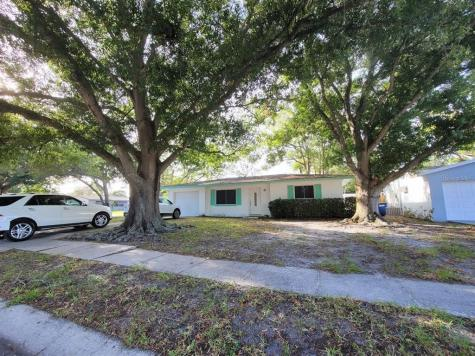 1706 Carlisle Street Clearwater FL 33755
