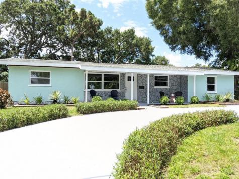 1655 Long Street Clearwater FL 33755