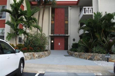 1009 Pearce Drive Clearwater FL 33764