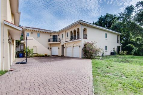 1993 Freedom Drive Clearwater FL 33755