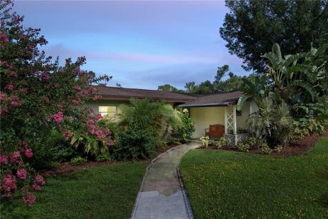 302 Forest Avenue Altamonte Springs FL 32701
