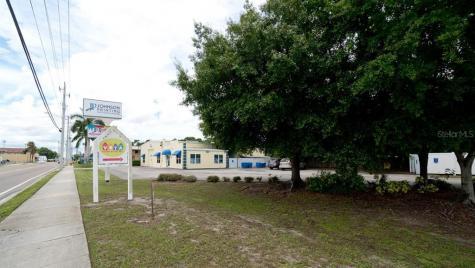1104 9th Street W Bradenton FL 34205
