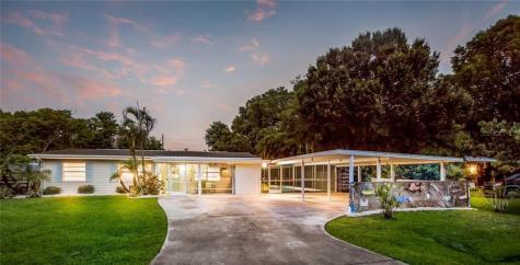 5948 Mirror Lake Road Sarasota FL 34238