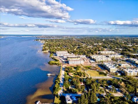 902 Riverside Drive E Bradenton FL 34208