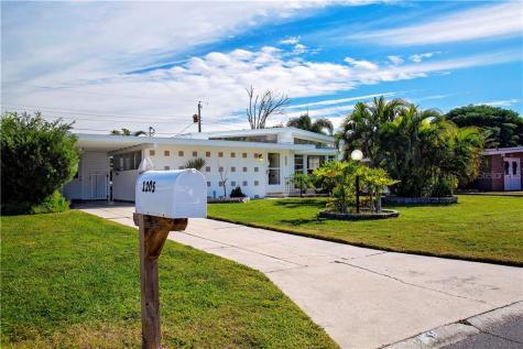 1205 Princeton Avenue Bradenton FL 34207