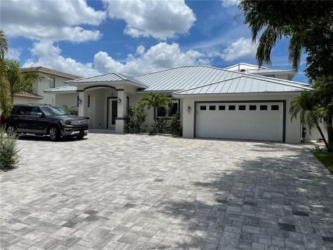 416 Belle Isle Avenue Belleair Beach FL 33786