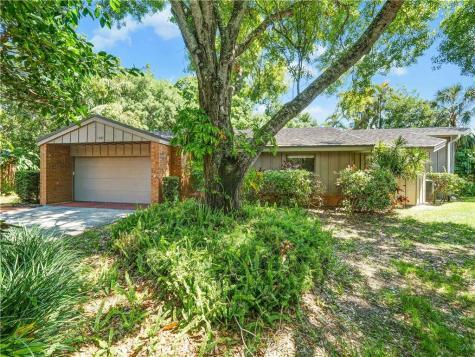 1303 Water Oak Way N Bradenton FL 34209