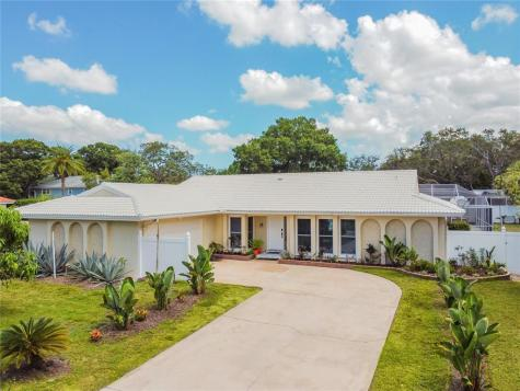 2390 Roberta Lane Clearwater FL 33764