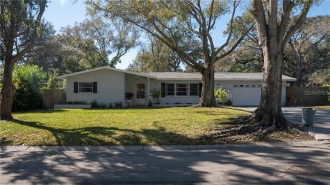 1500 Winding Way W Clearwater FL 33764