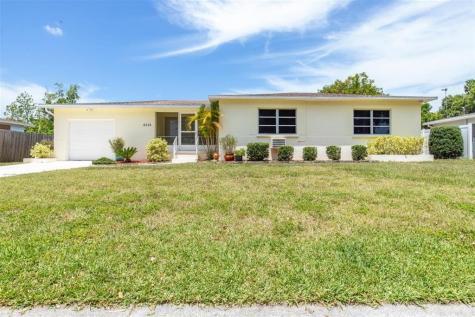 4518 Seminole Street Bradenton FL 34207