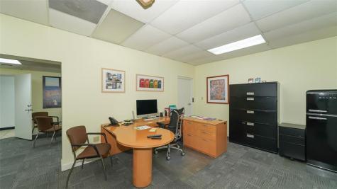 7555 Commerce Court Sarasota FL 34243