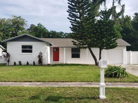 562 Robin Hill Circle Brandon FL 33510