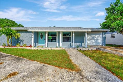 1017 Grantwood Avenue Clearwater FL 33759