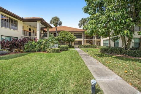513 Hammock Pine Boulevard Clearwater FL 33761